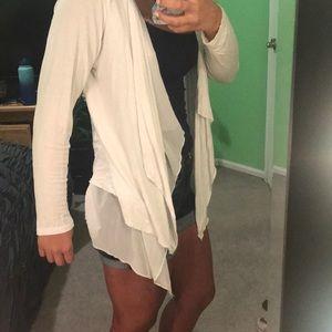 Sweaters - Super cute white boho cardigan🌸